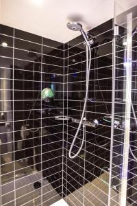 Een badkamer bij Holiday Inn Express Dijon