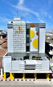 The floor plan of Zodiak Asia Afrika by KAGUM Hotels