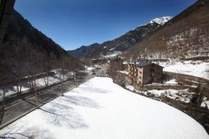 Apartaments Turístics Prat de Les Mines a l'hivern
