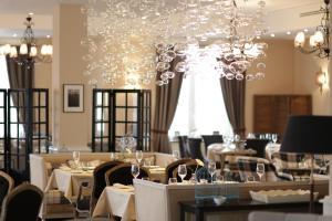 A restaurant or other place to eat at Boutique Hotel Tatiana Provence