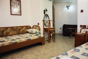 Гостиная зона в Rony Hotel