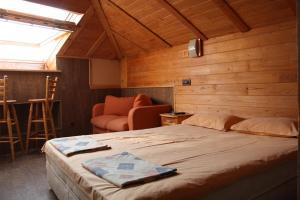 Кровать или кровати в номере Rony Hotel