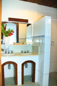 A bathroom at Pousada do Cais