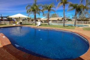 The swimming pool at or near Sun Country Lifestyle Park