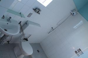 Um banheiro em Dive2Lagoon Apartments