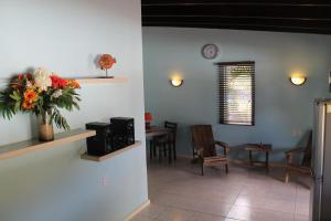 O saguão ou recepção de Dive2Lagoon Apartments
