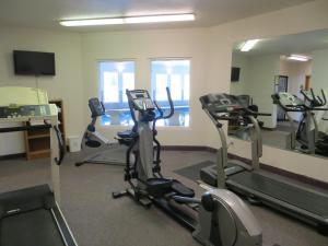 The fitness center and/or fitness facilities at Edgewater Inn Coos Bay