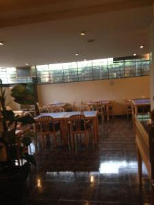 Un restaurante o sitio para comer en Hotel San Lorenzo