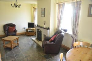 A seating area at Seaview Self-Catering