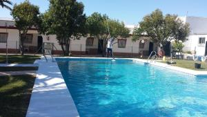 The swimming pool at or near Apartamentos Las Parcelas