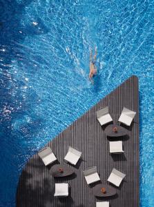 The swimming pool at or close to Hotel Baraquda Pattaya - MGallery