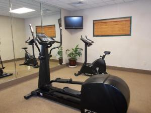 The fitness centre and/or fitness facilities at Wingate by Wyndham Destin