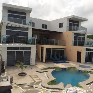 Vista de la piscina de Hotel Sea Side o alrededores