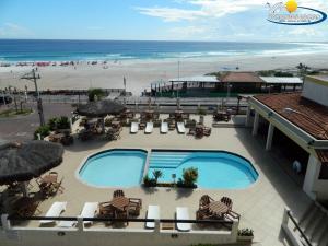 Uma vista da piscina em Varandas ao Mar Hotel ou nos arredores