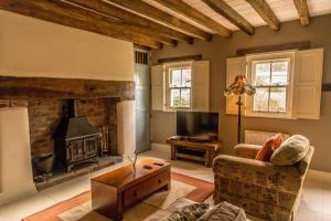 A seating area at Silvermines Self Catering Accommodation