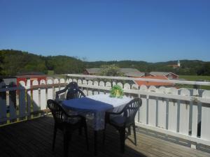 En balkong eller terrass på Jordhammars Herrgård SVIF Vandrarhem
