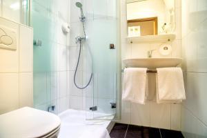 Salle de bains dans l'établissement Owl Hotel
