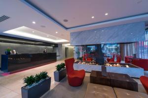 The lobby or reception area at Rendezvous Hotel Christchurch