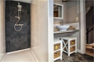 A bathroom at Bibi Tongeren