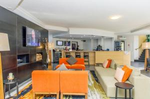 The lounge or bar area at Alpha Hotel Canberra