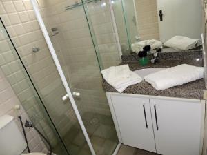 A bathroom at Apartamento Ponta Verde Maceio