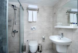 Ванная комната в Kleopatra Ramira Hotel - All Inclusive