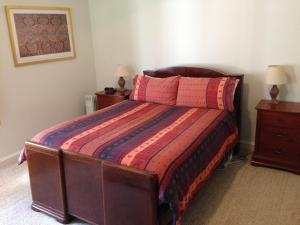 A bed or beds in a room at Pinkerton Hill Naracoorte