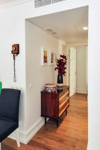 A seating area at Chiado Trindade Apartments | Lisbon Best Apartments