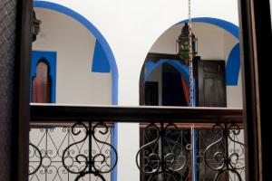 A balcony or terrace at Riad Assilah Chaouen