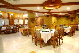 亞灣飯店餐廳或用餐的地方