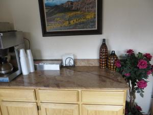 A kitchen or kitchenette at Scottish Inn Winnemucca