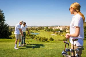 A family staying at Barceló Montecastillo Golf