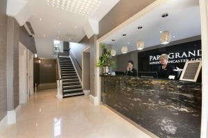 The lobby or reception area at Park Grand London Lancaster Gate