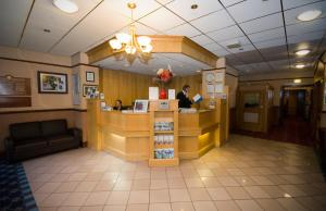 The lobby or reception area at Best Western Wakefield Hotel St Pierre