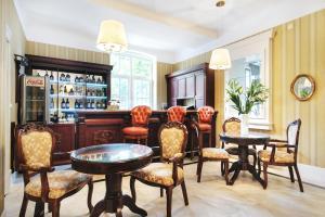 Hol lub bar w obiekcie Hotel Kopernik