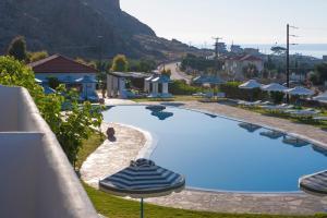 Θέα της πισίνας από το Lindos Sun Hotel ή από εκεί κοντά