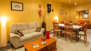 Un restaurante o sitio para comer en Hotel Madrid