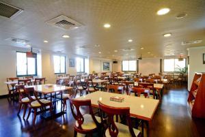 F HOTEL台南館餐廳或用餐的地方