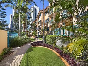 A garden outside Aruba Surf Resort