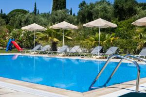 The swimming pool at or near Thermanti Villas