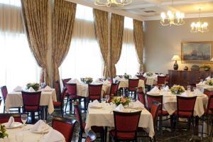 Εστιατόριο ή άλλο μέρος για φαγητό στο Margarona Royal Hotel