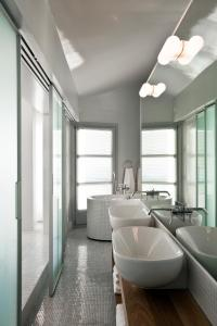 A bathroom at The Majestic Hotel