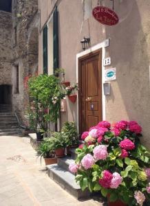 Eine Fassade oder ein Eingang zu La Torre