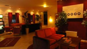 The lobby or reception area at Hannon's Hotel