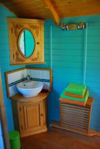 A bathroom at Capucine