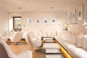 The lounge or bar area at Continentale - Lungarno Collection