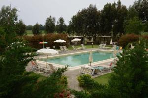 The swimming pool at or near Agriturismo Volta Di Sacco