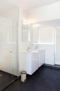 Ein Badezimmer in der Unterkunft Duinlust Dishoek