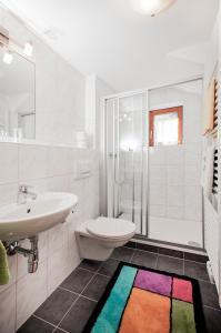 Ein Badezimmer in der Unterkunft Haus Hubertus
