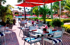 Um restaurante ou outro lugar para comer em Wyndham Orlando Resort International Drive